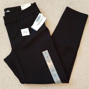 Old Navy black pixie pants size 4